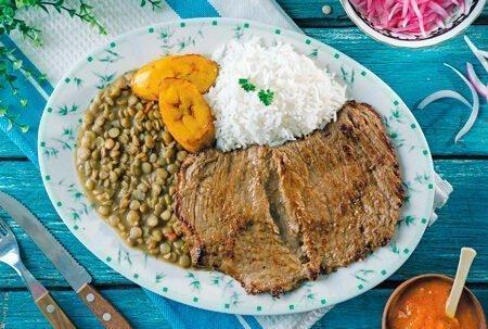Arroz con menestra - Gastronomía costa ecuatoriana