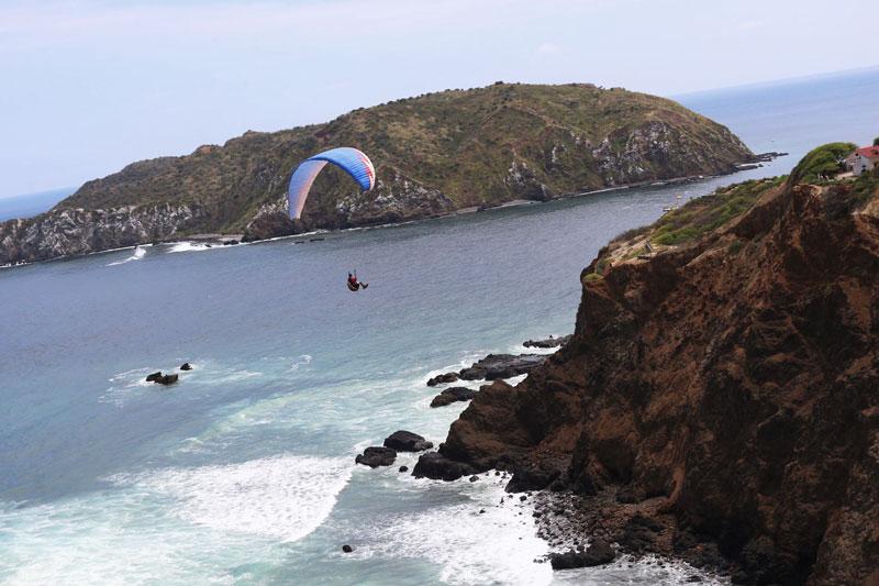Parapente en Playa Puerto lopez